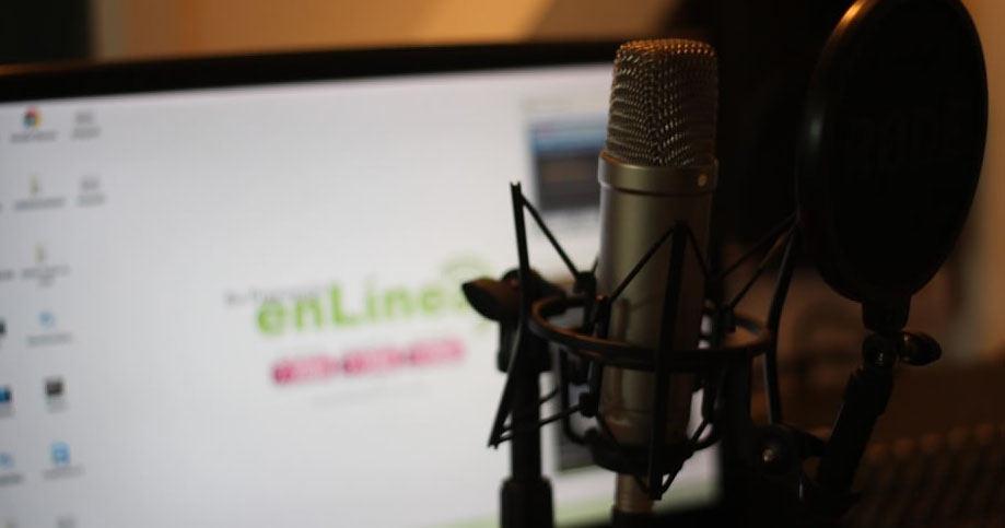podcasts: imagen de un estudio radiofónico.