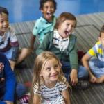 imagen de niños alegres de educación infantil.