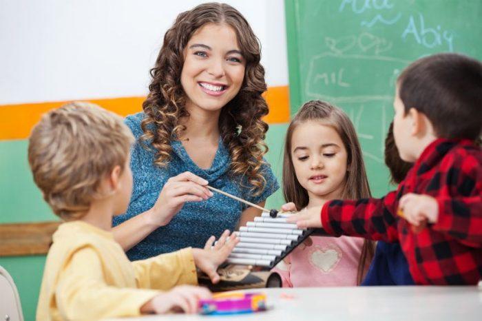imagen de un profesor sustituto.