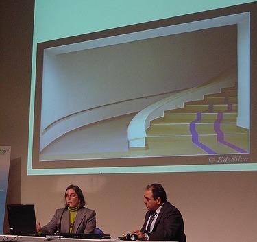 Imagen de Paola en la ponencia de Accesibilidad inadvertida o desapercibida. CTIC Gijon 2009