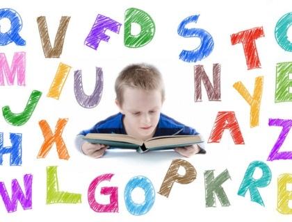 niño con dislexia y discapacidad visual.