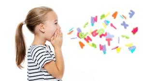 imagen de una niña con tartamudez.