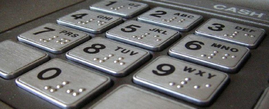 clientes ciegos y servicios bancarios