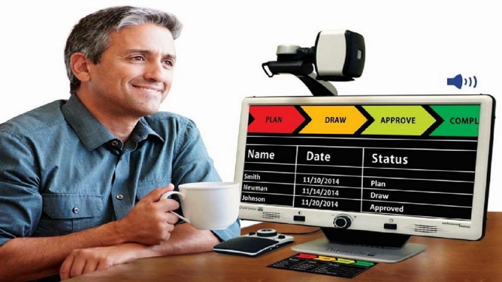 imagen de un hombre usando DaVinci Pro HD para ver un gráfico