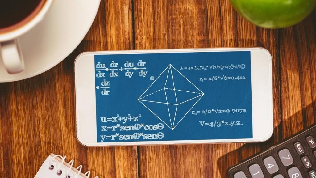 imagen de un móvil con una aplicación matemática abierta para implementar un aula sin papel