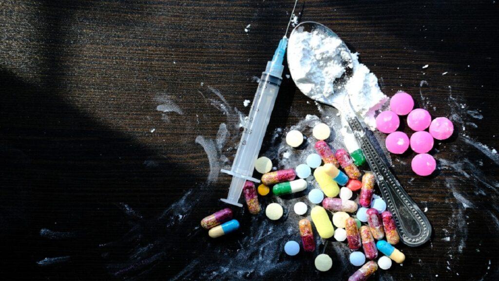 drogas en el aula: imagen de diferentes tipos de drogas