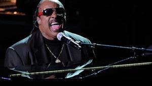 músicos ciegos: imagen de Stevie Wonder