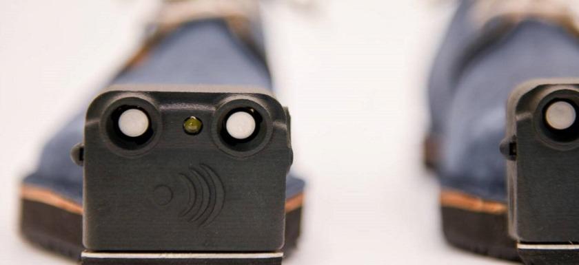 innomake, el zapato inteligente: imagen de un par de zapatos dotados con sensores