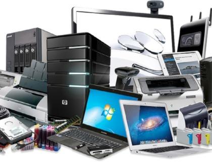 mejores ordenadores para personas con discapacidad visual: imagen de todo tipo de ordenadores, tabletas y smartphones